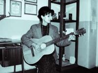 Sorina Bloj o femeie din viitor care canta trecutul